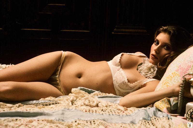 Bebe Buell  Miss November 1974 2