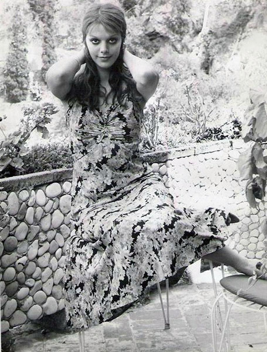 Tina Aumont bdsm picture 20